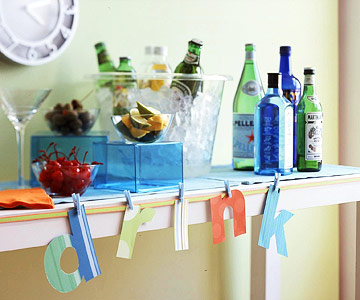 http://www.bhg.com/holidays/new-years/decorating/family-friendly-new-years-party/#page=5